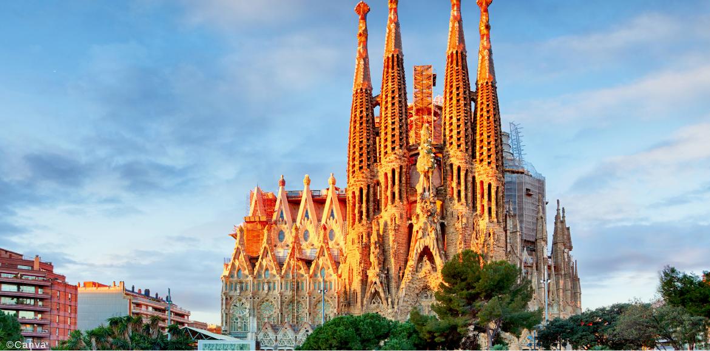Imagen con la básilica La Sagrada Familia