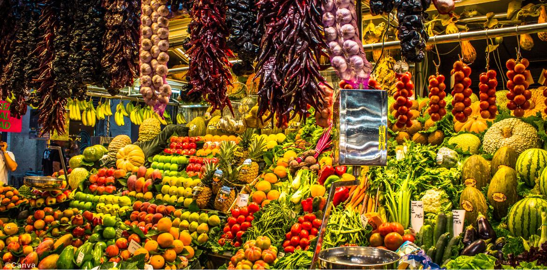 Este es un mercado muy famoso y popular en las Ramblas de Barcelona de